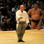 大相撲の呼び出しになるにはどうすれば?仕事や給料も解説!