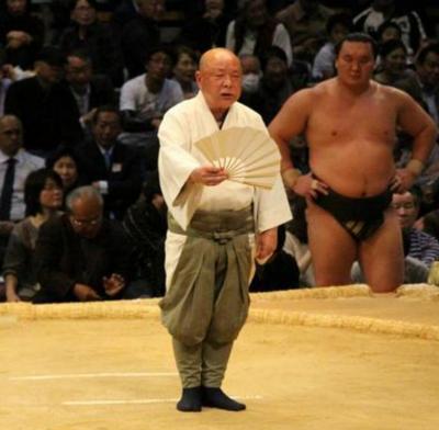 大相撲の呼び出しになるにはどうすれば?仕事や給料も解説! | 大相撲 ...